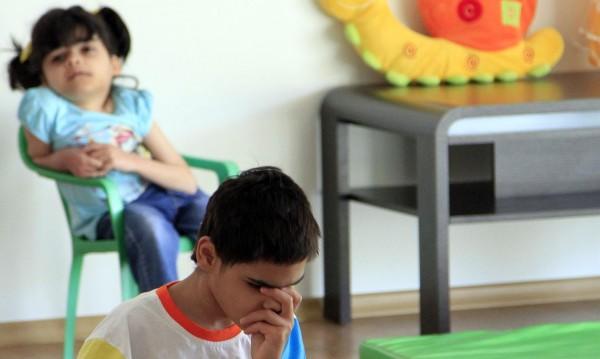 Вечерята на деца от Дом с увреждания – спагети с хляб