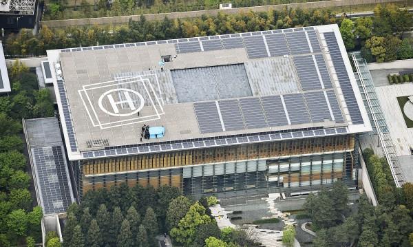 Радиоактивен дрон кацна на покрива на офиса на японския премиер
