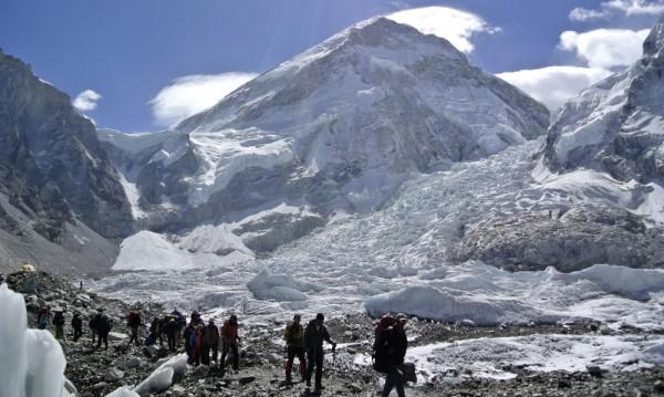 Инженери решиха проблема с фекалиите на Еверест