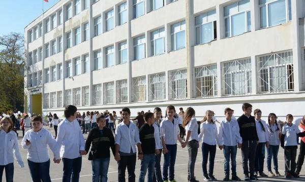 Автономия за всички училища, настоява НПО