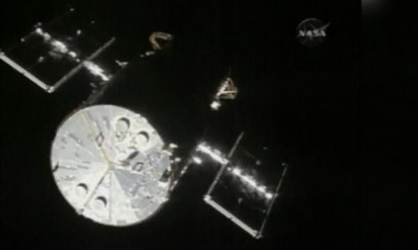 """""""Хъбъл"""" - 25 години в открития Космос"""