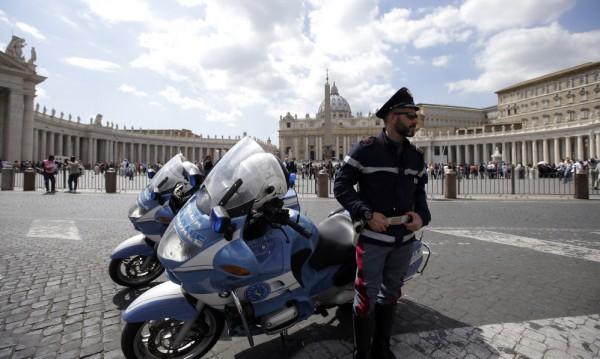 Арестуваните за тероризъм в Италия планирали атентат срещу Ватикана