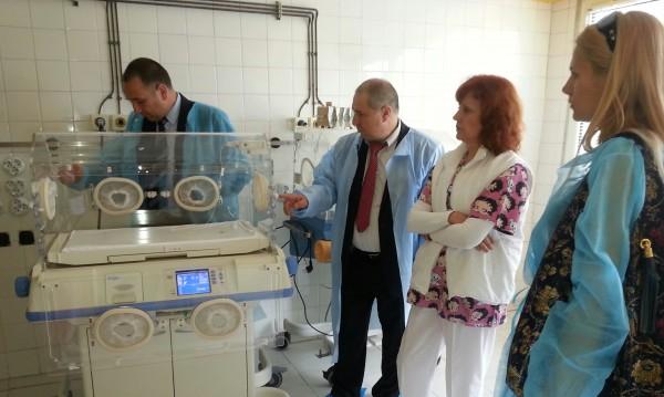 Доволна майка дари кувьоз на бургаска болница