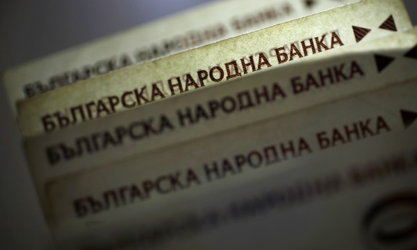 На ръба: 3 млн. българи кретат с 360 лв. месечно