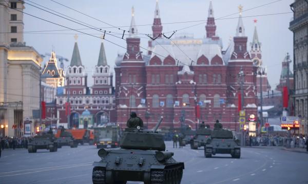 Москва вади най-новите си оръжия за Деня на победата