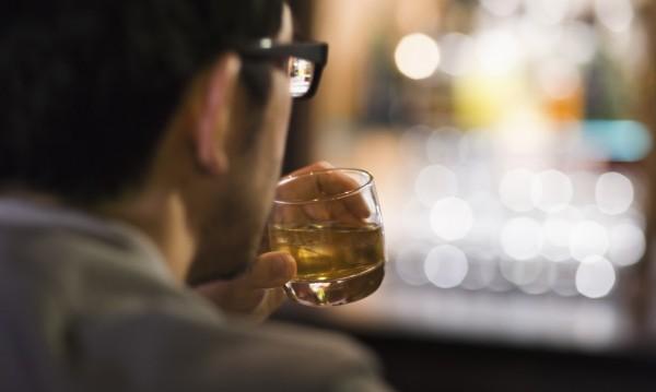 Пие ти се, та чак ти се плаче! Апликация бори жаждата