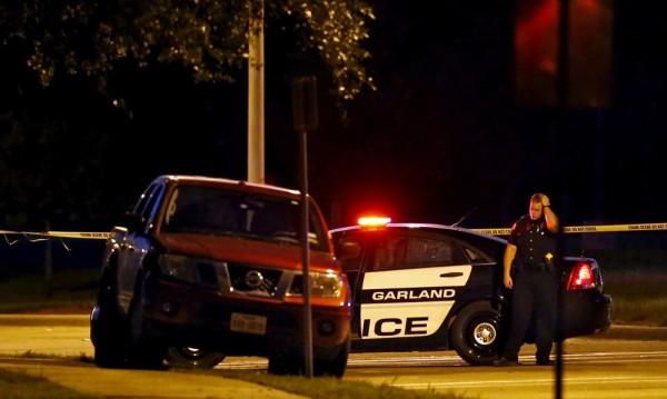 Единият от нападателите в Тексас бил разследван за тероризъм