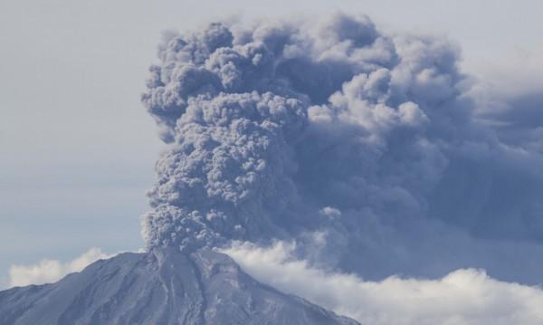 Изригна вулканът Туриалба в Коста Рика