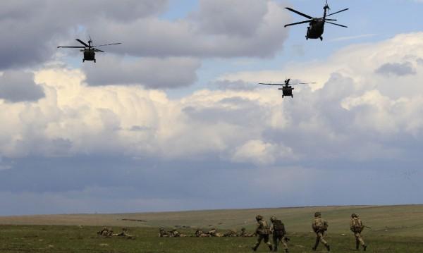 НАТО мести за кратко командния си център в Румъния