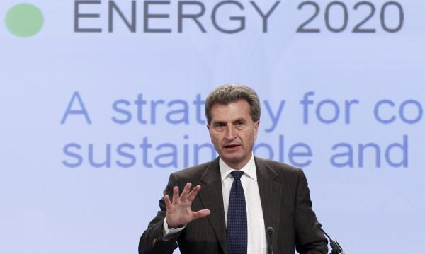 Еврокомисията е била редовно шпионирана, твърди Йотингер