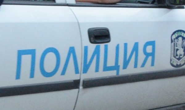 Пиян се заби с колата си, лъже полицията, че била открадната