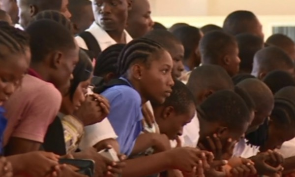 Либерия празнува края на епидемията от ебола