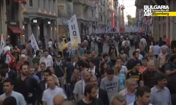 Хиляди кюрди протестираха в Анкара и Истанбул
