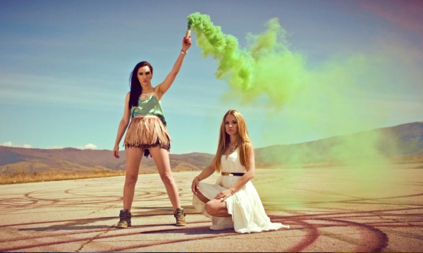 Сантра и Лора Караджова в секси дует