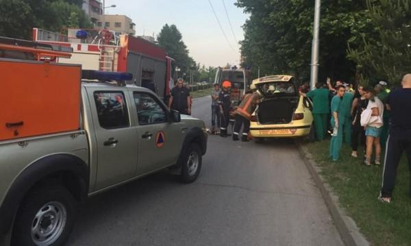 Таксиметров шофьор загина след катастрофа и 50-минутен сърдечен масаж