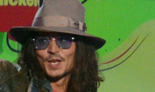 """Джони Деп не е абдикирал от """"Карибски пирати"""""""