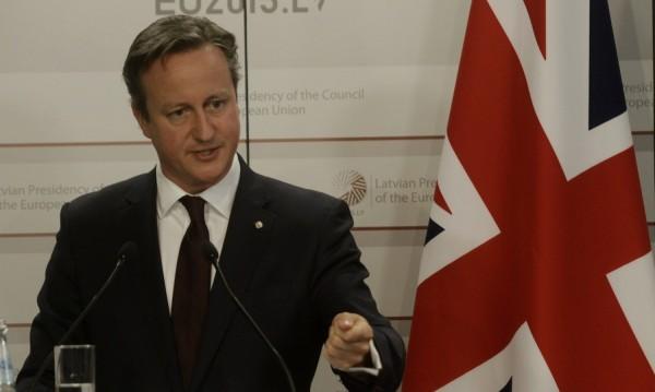 Министрите на Камерън със замразени заплати - ?208 000 годишно