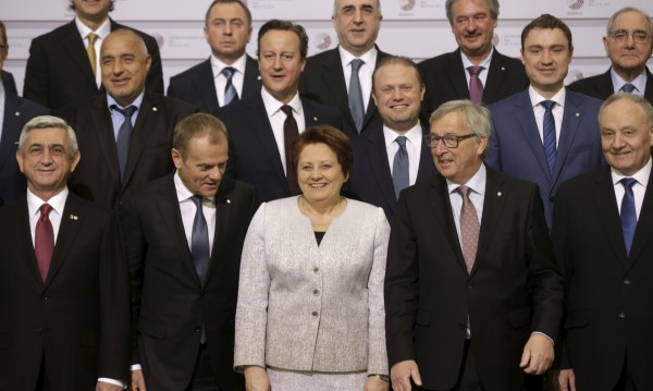 Докато Русия ръмжи, ЕС се въздържа да дава обещания