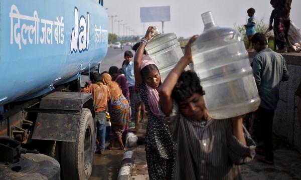Над 1100 са жертвите на горещата вълна в Индия