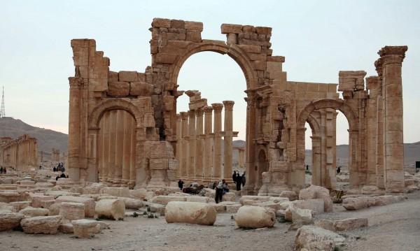 """""""Ислямска държава"""" изби 20 души в некропола на Палмира"""