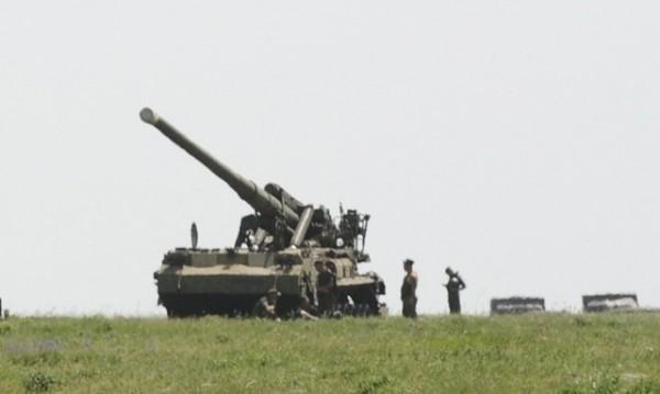 Русия струпва оръжие и армия на украинската граница