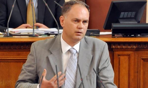 БСП скочи на Кадиев заради агитацията за майчин език