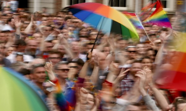 """Ще обедини ли Ирландия """"Да""""-то на гей браковете?"""