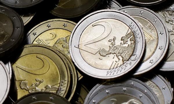 2,925 млрд. евро потичат към Гърция