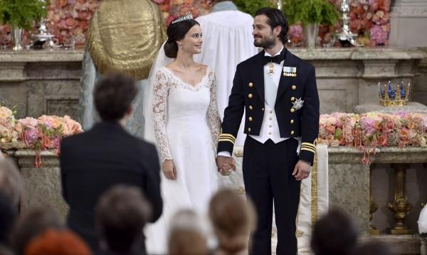 Шведски принц се ожени за бивша риалити звезда