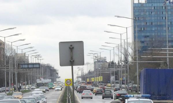 Градовете ни - задръстени от трафик и пълни с безработни