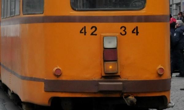"""Блокирани са шест трамвая на """"Цар Борис III"""""""