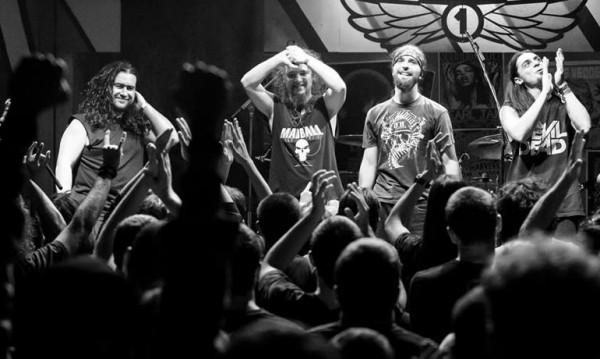 Две родни банди подгряват Black Label Society