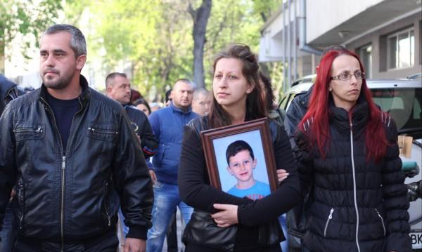 Само 4 години затвор за шофьора, убил Петьо на пътя