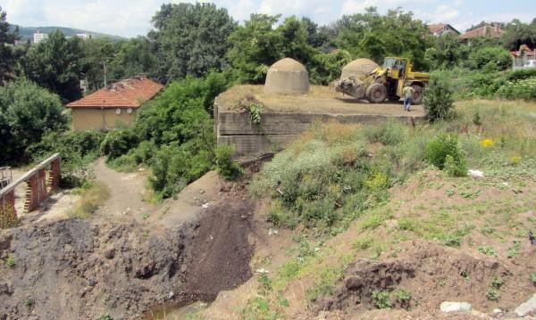 Къщи в Перник падат заради незаконен добив на въглища