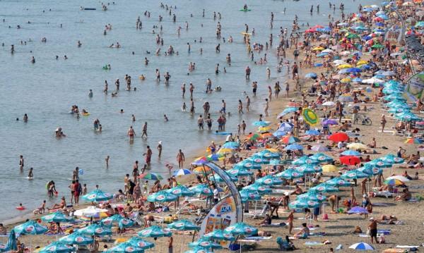 Горещо, горещо... Сянката на плажа - до 30 лева
