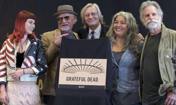 70 000 изпратиха Grateful Dead