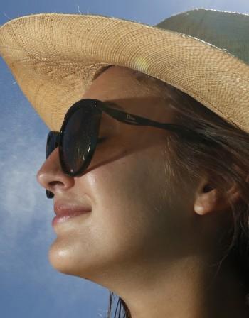 Лято и мазна кожа – проблемна комбинация, с която можем да се справим