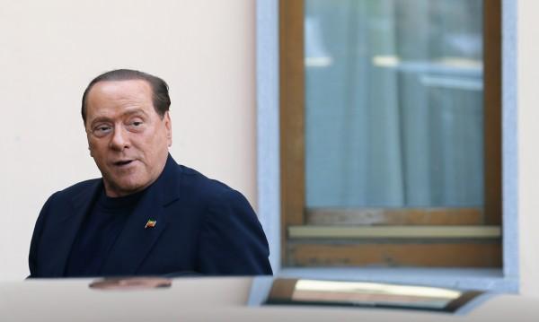 Присъда от 3 г. затвор за Берлускони за корумпиране на сенатор