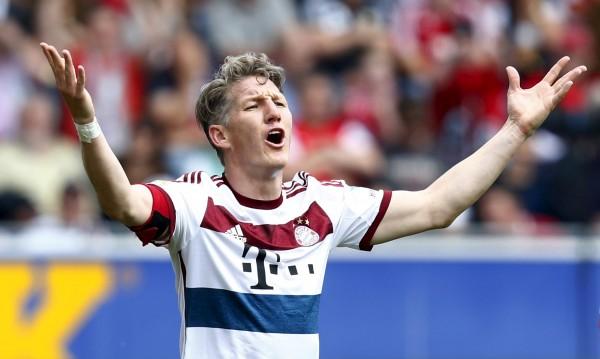 Ман Юнайтед с трансферен удар, взе Швайнщайгер