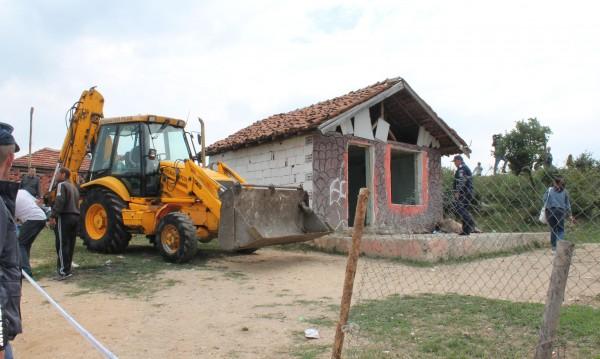 Съдът в Страсбург спира събарянето на къщите в Гърмен