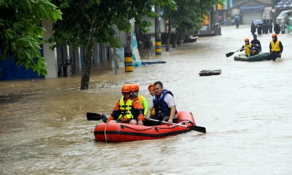 Евакуираха над 1 млн. китайци заради тайфуна Чан-хом