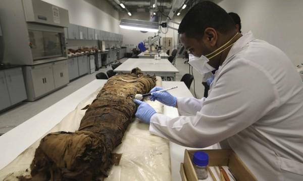 Древните египтяни оперирали още преди 3000 години
