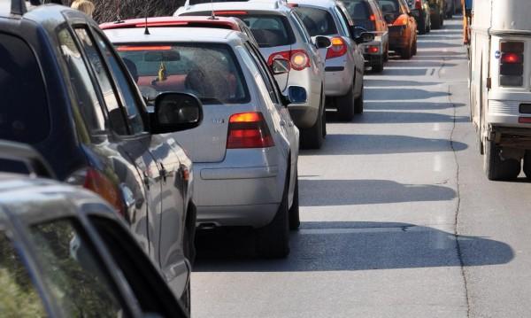 Вдигат екотаксата за старите автомобили
