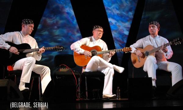 Сръбско трио ни завладява с балкански ритми