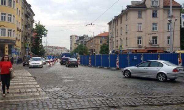 """Ремонтът на """"Руски паметник"""" свършва до септември"""