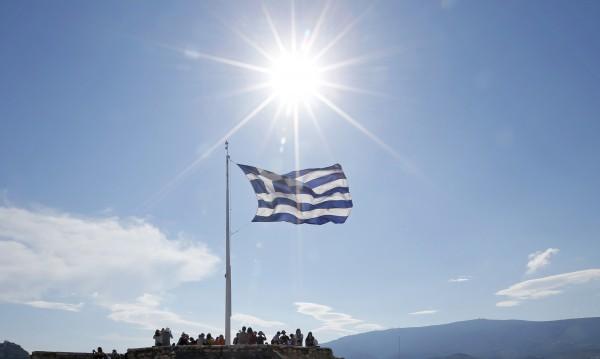 Еврогрупата дава 7 млрд. заем на гърците