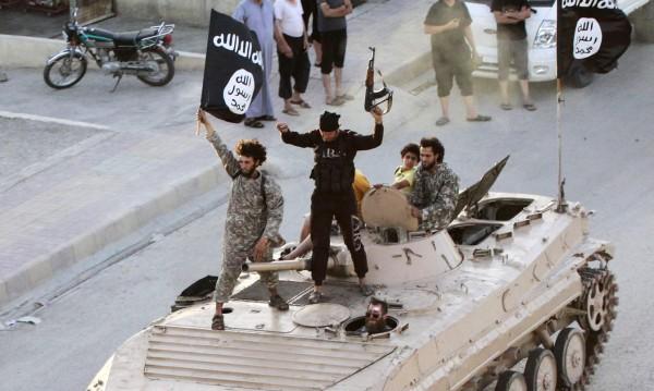 """САЩ """"атакува"""" Ислямска държава с листовки"""