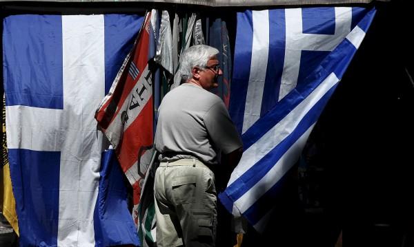 Кредиторите пращат Атина на невъзможна мисия