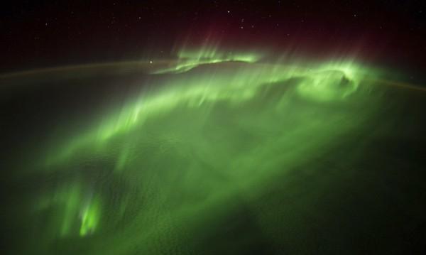 Наблюдаваха полярно сияние извън Слънчевата система