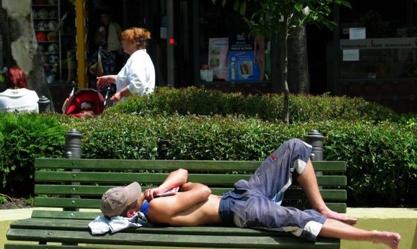 Шестима припаднаха от жегата в Кърджалийско